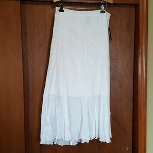 AGB cotton crinkle skirt NWT